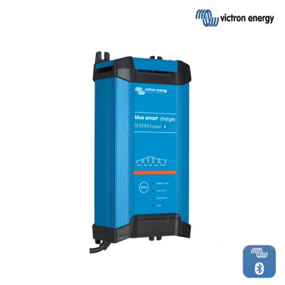 Polnilnik Victron Blue Smart  IP22 1220-3 s tremi izhodi